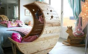 How To Make A Toddler Bed From Pallets